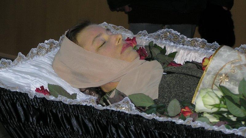 пример: время увидеть мужа в гробу во сне детям 1,5-2